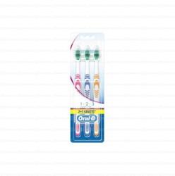 Spazzolino ORAL-B Classic Care - Confezione da 3p